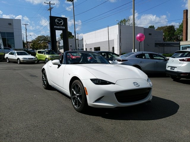 Certified Pre-Owned 2017 Mazda Miata Grand Touring